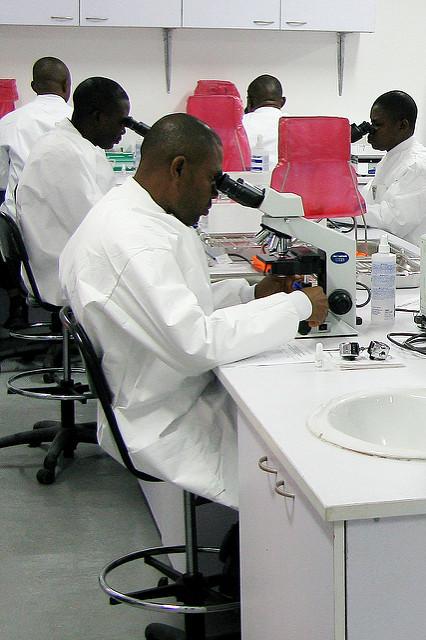 USAMRUK Malaria Diagnostics and Control Center of Excellence microscopy training -  Nigeria, Africa 092009